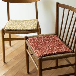 山内武志 椅子敷き