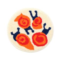 カタツムリの小さな円形絨毯 class=